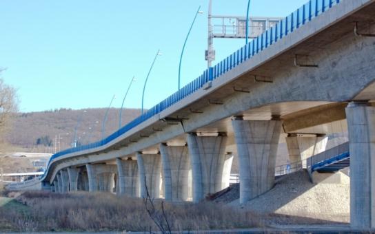 Lahovický most se po třech letech dočká dostavby