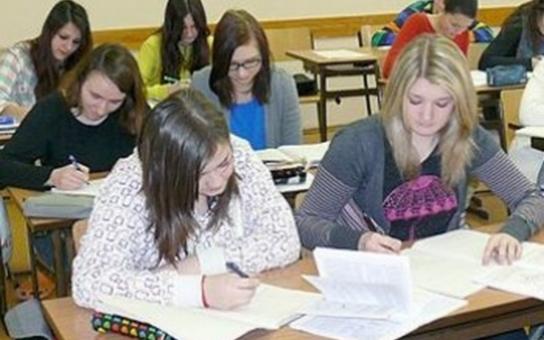 Studenti a žáci určili největší problémy Karlových Varů