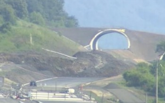 Vláda rozhodla o sanaci sesuvu na dálnici D8 u Litochovic