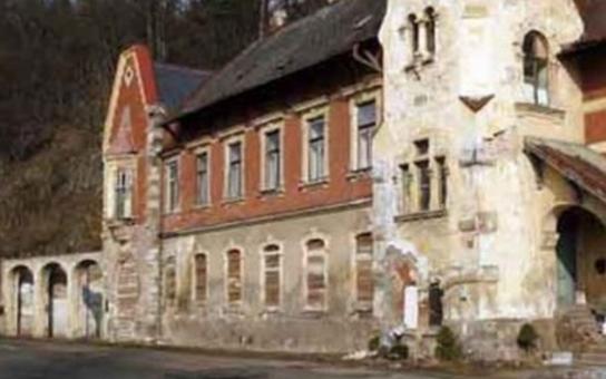 """Nejcitlivější varianta pro obnovu """"Švýcarského domu"""" v Kyselce vyhrála"""