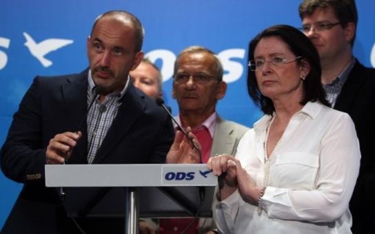 Vypískejte Kuby, Nečase, Němcové, Kalousky, plivejte na ně, trhejte volební programy! Na pravici se chystá peklo