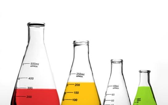 Nebezpečné látky v lovosické olejně prověří laboratoř
