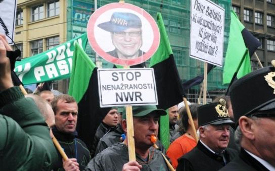 Horko v černé Ostravě: Bakala tu vydělal stamiliardy! Ať kouká něco vrátit, křičí horníci, iniciativy, hejtman i politici