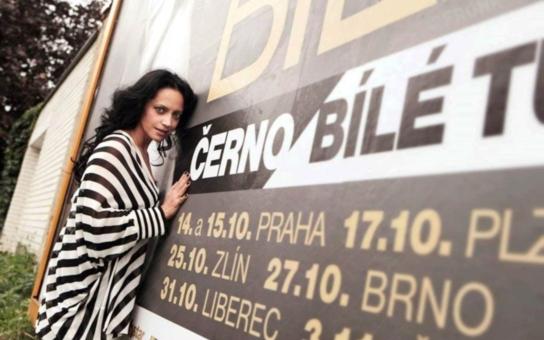 """Lucie Bílá udělala pro volby maximum: """"Vyfoukla jsem stranám billboardy!"""" Koho bude volit zpěvačka?"""