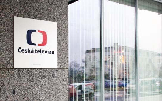Odporné: ČT se zbavila nepohodlných moderátorů, odchází Veselovský i Drtinová. Využili jejich dětí