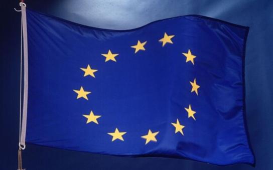 Když si spadl do jámy, přestaň kopat, říká se. A EU tu jámu ještě prohlubuje, tvrdí politolog Robejšek