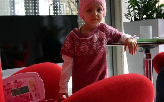 Tento týden ukončilo úspěšně léčbu v protonovém centru čtyřleté ruské děvčátko. Proč mají české holčičky s rakovinou smůlu?!