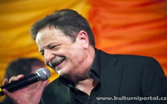 V Karviné vystoupí Petr Spálený s kapelou Apollo band