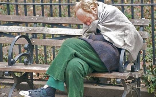 Chudoba přímo ohrožuje dva miliony Čechů. Politici jen melou pantem a zdražují se potraviny! Alarmující