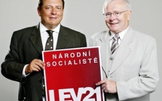 Exsenátor Vízek: Mladí šéfové stran měli mít kolem sebe pár dědků, kteří už nejsou ovládaní sexem a tlačili by je k normě