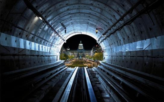 Tunel Blanka: Bém projel slavnou sázku s AutoMatem, jenže tam ho nechtějí ani na vaření kafe. Teskný zpěv Kolibříka, píše k tomu Hudeček