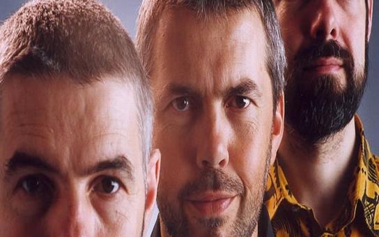 Ve Šternberku vystoupí populární hudební trio bratří Ebenů