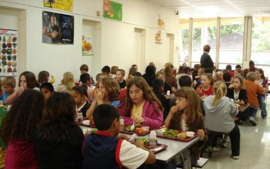 Aby děti ve školách jedly kvalitně a zdravě… V Pardubicích se sešlo na tři stovky pracovníků školních jídelen