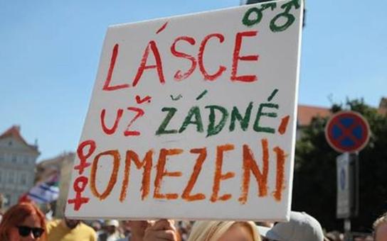 Spisovatel Filip z Německa nás varuje: Milion Číňanů se může usadit v Česku a brát sociální dávky i zdravotní pojištění