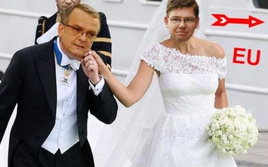 Na internetu začala kolovat svatební fotka Jiřího Pospíšila. Ženichem je známý politik