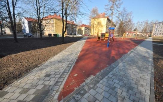 Dobrá zpráva: Vnitroblok v Nerudově ulici v centru Bohumína má novou vizáž