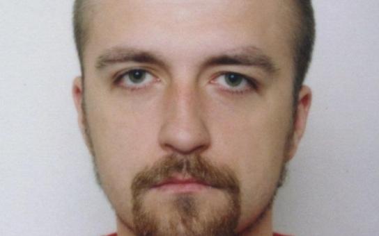 Zavraždil opravdu skin Pechanec v roce 2001 Roma Absolona? Anarchista Polák obvinil policii, že kryla skutečného vraha