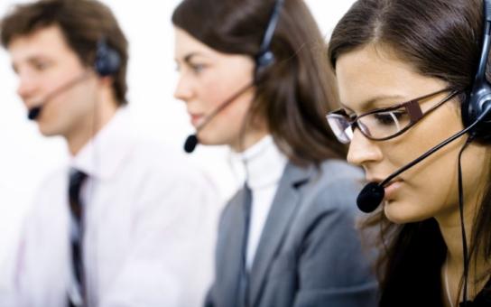 Teror řádí mezi pracovníky call center, s nimiž se zachází jako s otroky. Čtěte neuvěřitelná svědectví