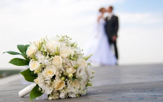 Když manžel naseká dluhy, a to i před sňatkem, manželce zabaví plat. Co dělat? Prolustrovat finance včas, radí námi oslovený právník