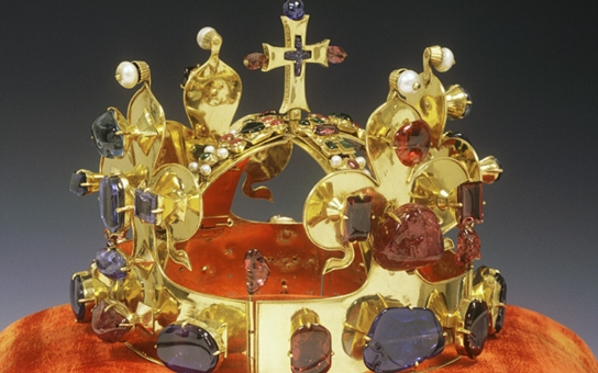 Císařská koruna Svaté říše římské doputovala do Českého ráje