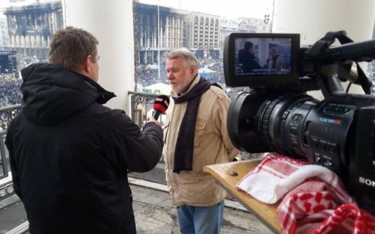 Ti mrtví, kteří tam byli, byli zastřeleni během půl hodiny. Střelci mluvili rusky a byli to profíci, tvrdí senátor Štětina k Majdanu