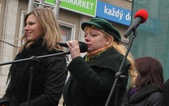 Pracující lidé v Česku jsou novodobí otroci a i oni trpí chudobou! Ekonomka Švihlíková komentuje prognózy