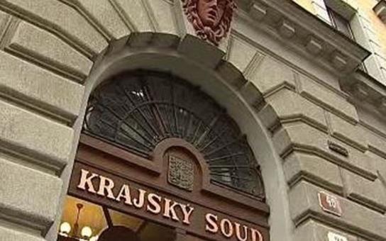 Soudní znalci ničí životy lidí. Žena z Plzeňska kvůli lživému posudku prohrála soud a ještě to musí zaplatit. Přitom šlo o jednoduché změření plochy, což lze snadno dokázat