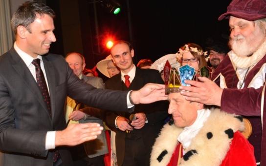 V Čechách máme znovu krále! Měl by se prezident Zeman bát o funkci?