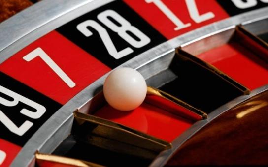 """Až desítky kasin u škol či úřadů! Tohle chcete? Ten váš """"nejlepší primátor otočil o 180 stupňů, upozorňuje Změna pro Jablonec"""