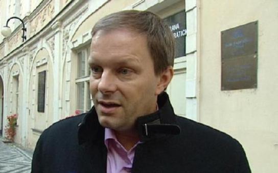 Höppner: Poprava ministra Chládka premiérem slabým jak čaj… Věc má politické pozadí a povede k pádu strany, a ženy šikanuje víc někdo jiný z vedení ČSSD