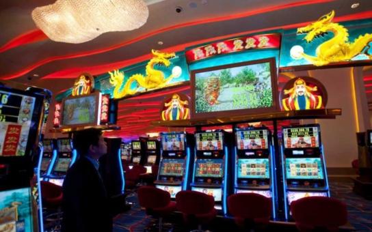 Počet heren a kasin ve městě by měla určit novela vyhlášky. Ze sedmašedesáti herních míst by jich v Hradci Králové mohlo nově být jen třicet