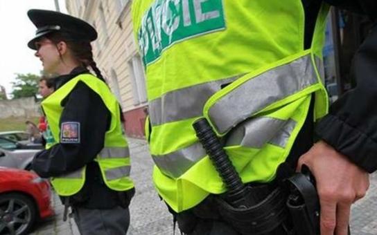 Bezpečnostní průšvih: Policisté berou tak málo, že nezvládají splácet své závazky a potácejí se na hraně exekucí a osobních bankrotů