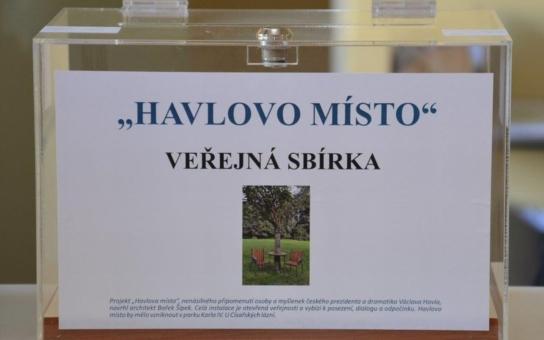 Sbírka na Havlovo místo v Karlových Varech začala