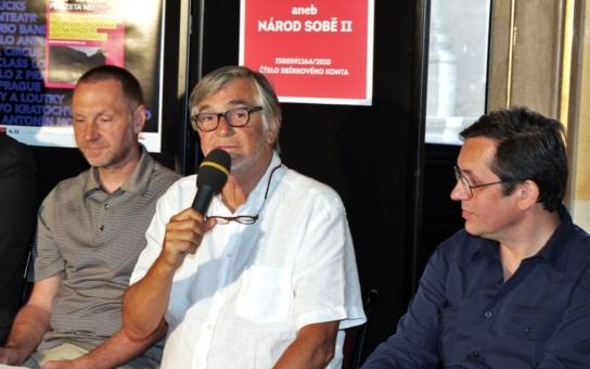 Činoherák Ústí: Brutálním způsobem zasáhli do uměleckých svobod a proto je důležité se aroganci moci vzepřít! Bartoška jde s nimi