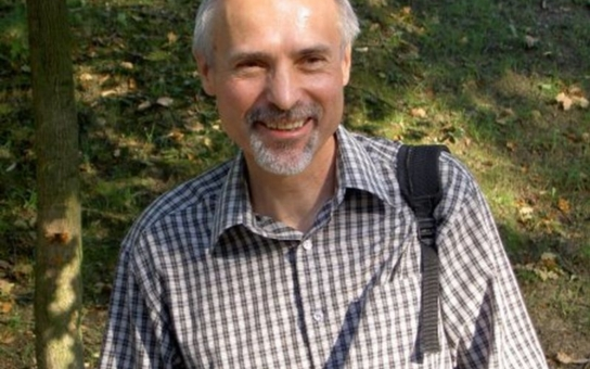Nůžky se rozevírají, poslední léta tady vznikla vrstva hodně chudých lidí, děti nemají často ani na autobus, říká zelený psycholog Miroslav Hudec