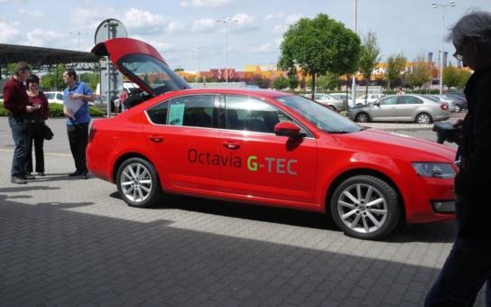 Počet vozů, jezdících na zemní plyn, vzrostl, do konce letošního roku jich bude přes 8 000. Škodovka uvedla na trh novou Octavia G-Tec