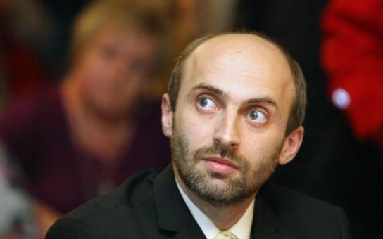 Boj proti korupci vychází v Čechách naprázdno, tvrdí ostrý liberecký politik Korytář a vysvětluje…
