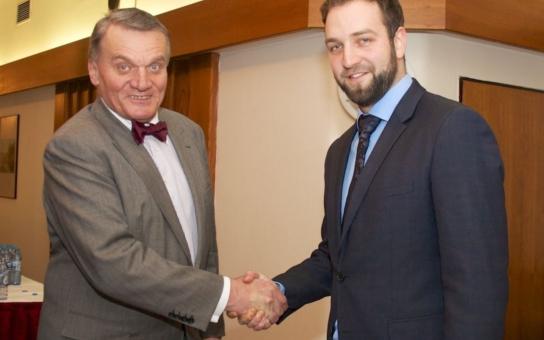 Cokoliv nad deset procent bude úspěch, říká nejmladší šéf ODS Bellu o nadcházejících komunálkách, kde je spolu se Svobodou a Humplíkem pražským lídrem