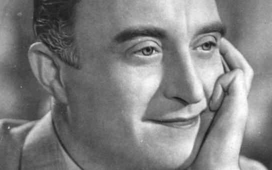 Oldřich Nový  a jeho chalupa v Kuklíku:  I na Vysočině nosil elegantní šátek kolem krku! Ale mariáš hrál prý mizerně. Exkluzivně ze série Chalupáři stříbrného plátna