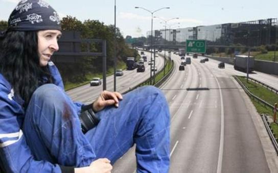 Zfušované dálnice, miliardové škody a propracovaný systém zakázek. Vyhozená vysoká úřednice Pošvářová, zvaná Černá mamba, prozradila, jak to chodí