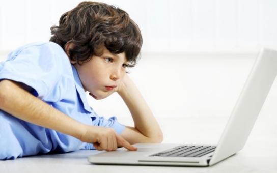 Přemýšlej, než se svěříš, radí Úřad pro ochranu osobních údajů těm nejohroženějším kyberzločinností, dětem