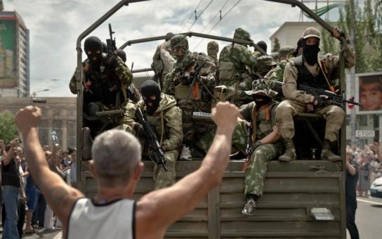 Nejsem na straně Putina, ani Porošenka, ani separatistů, jsem na straně míru. Média nám ale lžou! Český bloger vyrazil do Doněcku