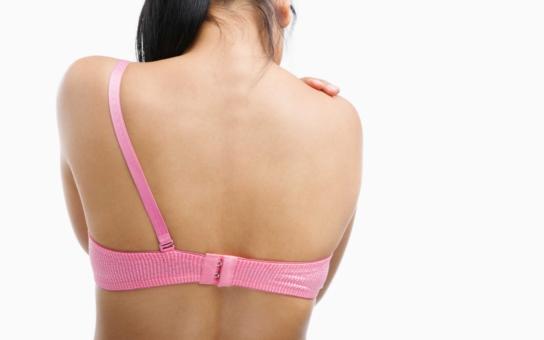 Pacientky s rakovinou prsu varují: Ještě větším problémem mohou být nádory v kostech! Docent Fínek z plzeňské onkologie doporučuje biologickou léčbu