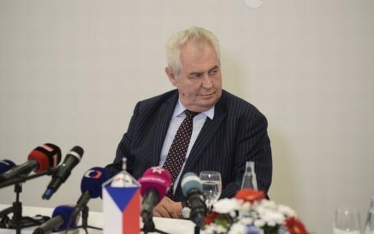 """Všechno nejlepší, pane prezidente! """"Učenej z nebe nespad, ale tady jako by blbce shazovali,"""" připomeňme si, čím si Miloš Zeman vysloužil titul král bonmotů"""