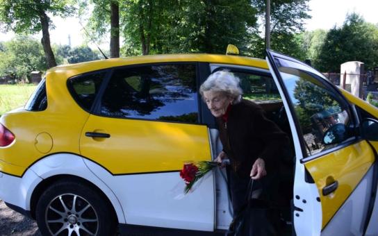 Výborný nápad: V Bohumíně jezdí senior taxi, od ledna bude nově zdarma pro důchodce už od 65 let