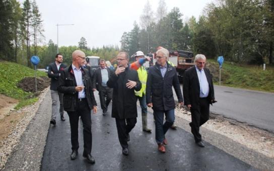 """Švédsko může být při budování dopravní infrastruktury inspirací! Hejtman Pardubického kraje vyrazil na sever pro """"rozumy"""""""
