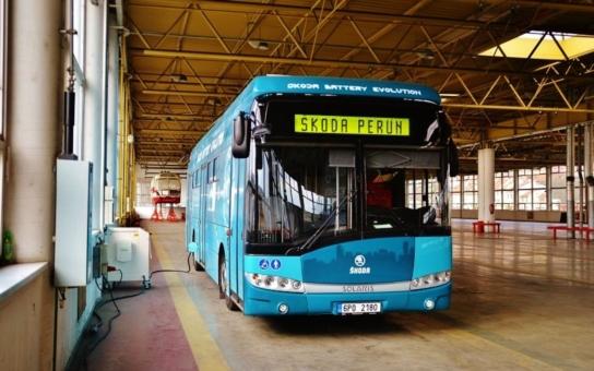 Královéhradecký dopravní podnik testuje v provozu nový elektrobus, už druhý, který v krajské metropoli jezdí