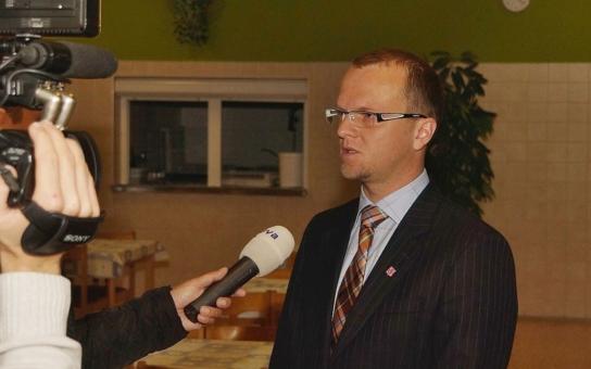 """Hejtman Netolický se zajímal o situaci v ústecké školní jídelně, kterou """"proslavila"""" televizní reportáž"""