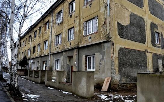 Ponížili 10 miliónů slušných lidí kvůli pár stovkám nemakačenkovských asociálů, zlobí se expert. A míří na EU. Ptali jsme se i Romů, kam chtějí jet