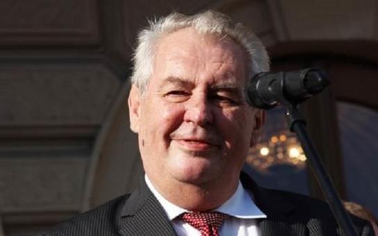 Fuj! Ruský šváb! Prezident je na návštěvě na severní Moravě, vyslechl tam dokonce výzvu k odstoupení. Co se dělo dál? Byli jsme u toho